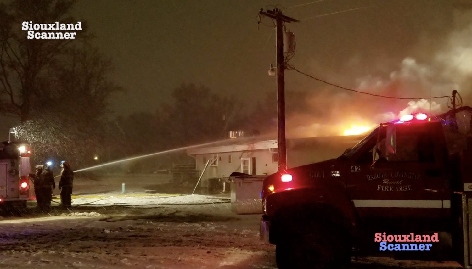 Fire destroys long time business Gateway Bar and Grill in South Sioux City Nebraska