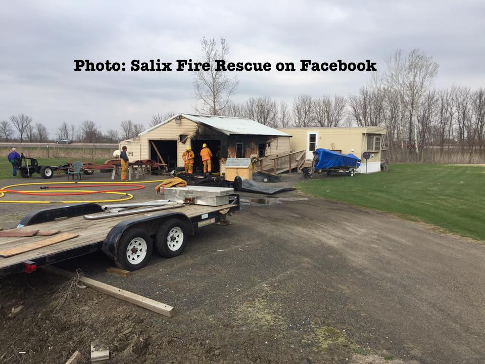 Fire near Salix Iowa contained to garage