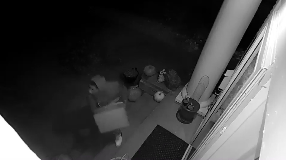 Early morning package theft in Sioux City caught on camera its that time of year