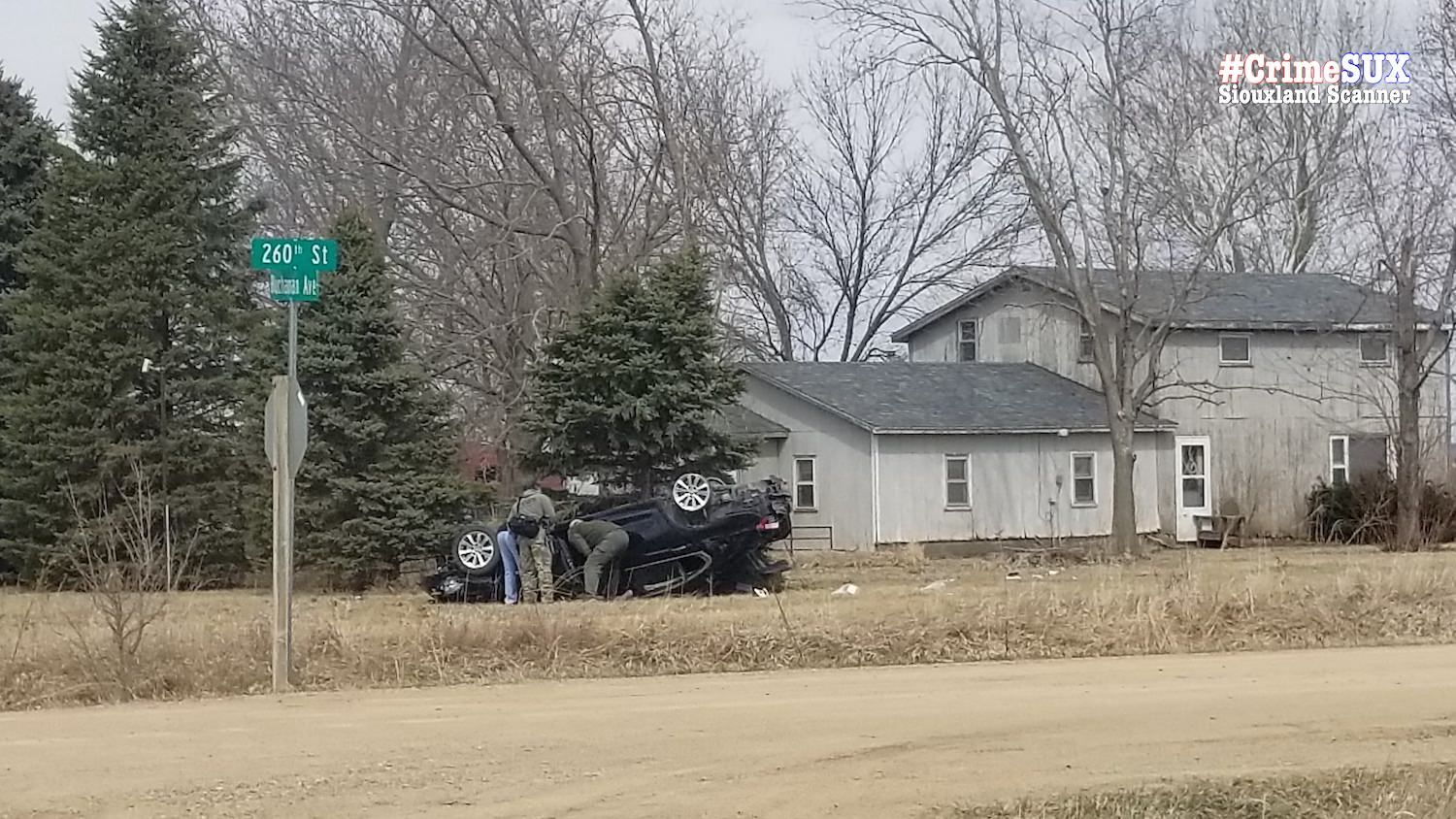 Moville bank robbery suspect in custody after short pursuit that ended in crash near Salix