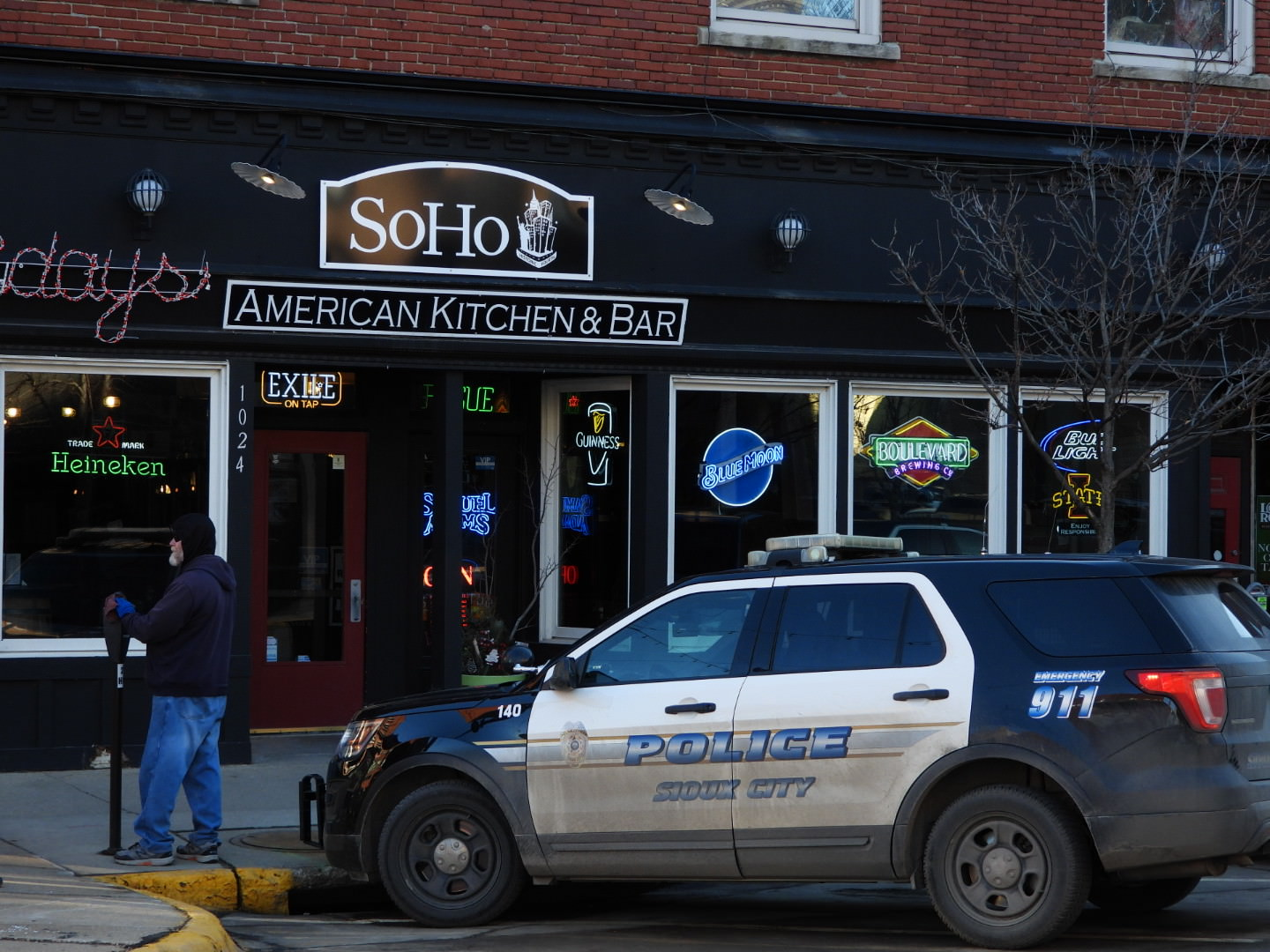 Man arrested on two counts of false imprisonment after reports of a robbery on Historic Fourth