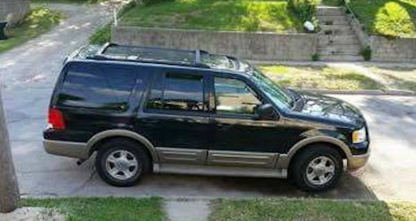 RECOVERED Black 2004 Ford Expedition 4th and Isabella Sioux City